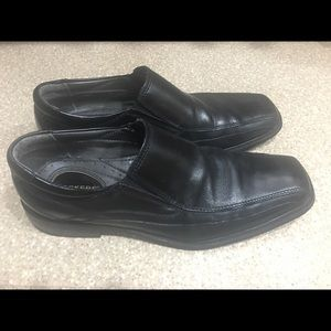 Black Dockers Dress Shoes size 10